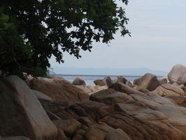 Pevnina z Adam&Eve beach.